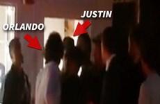 """Tài tử Orlando Bloom """"tung chưởng"""" vào mặt Justin Bieber"""