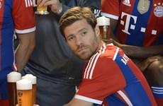 Phải chăng Pep Guardiola đã sai lầm khi mua Xabi Alonso?