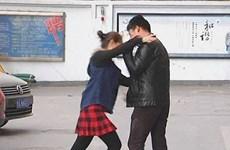 Chàng trai bị bạn gái hành hung chỉ vì đề nghị cô đi nâng ngực