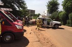 Video đặc nhiệm Mali giải cứu con tin khỏi khách sạn Radisson
