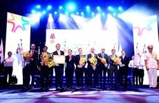 FrieslandCampina đón nhận Huân chương Lao động hạng Nhất