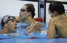 Michael Phelps ngỡ ngàng khi để thua Schooling của Singapore