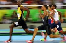 Usain Bolt biến đối thủ thành trò cười trên đường chạy 100m