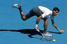Djokovic thua sốc Istomin, bật bãi từ vòng 2 Australian Open