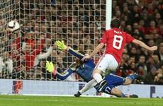Manchester United vào tứ kết Europa League, nhưng mất Pogba 3 tuần