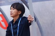 Toshiya Miura chê mặt sân Thanh Hóa trong ngày tái ngộ V-League