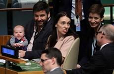 Thủ tướng New Zealand đem con tới dự họp Đại hội đồng LHQ