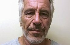 Thuyết âm mưu sau vụ tỷ phú Mỹ Jeffrey Epstein tự tử trong tù