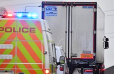 Cận cảnh xe container chở 39 thi thể người nhập cư trái phép vào Anh