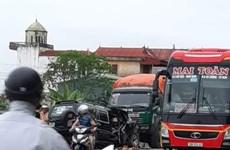 Nam Định: Hai ôtô đấu đầu trên Quốc lộ 10, ba người bị thương