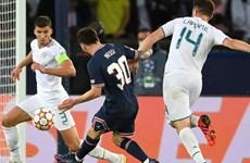 Video bàn thắng đầu tiên của Leo Messi cho Paris Saint Germain