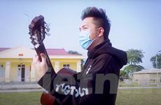 Ca sỹ Minh Vương M4U thực hiện MV chống dịch trong khi bị cách ly