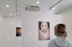 Sự duyên dáng của những geisha tập sự qua ống kính nhiếp ảnh gia Pháp