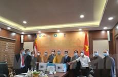 Giáo hội Phật giáo Việt Nam tặng thiết bị y tế cho nhân dân Ấn Độ