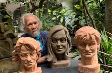 Nhà điêu khắc Việt tạc tượng 3 phụ nữ giúp phát triển vacine COVID-19