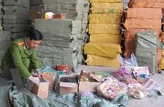 Bắt gần 11 tấn ô mai, hoa quả khô nhập lậu gần chợ Ninh Hiệp