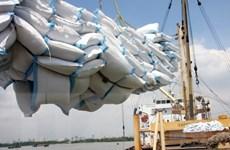 Sau tám tháng, thặng dư thương mại cả nước đạt gần 1,7 tỷ USD