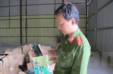 Liên ngành thu giữ lượng lớn mỹ phẩm nhập lậu ngay gần Cảng Hà Nội