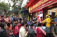 Hà Nội: Nhộn nhịp mua bán vàng trong ngày vía Thần Tài