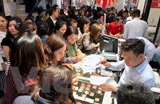 Giá vàng thế giới cao hơn thương hiệu SJC 700.000 đồng mỗi lượng