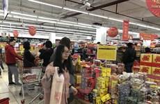 Hàng hóa đa dạng, sức mua tăng dần những ngày cận Tết Nguyên đán