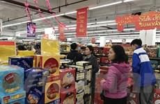 Nhiều siêu thị mở cửa xuyên Tết Nguyên đán phục vụ người dân