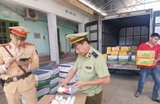 Tạm giữ lượng lớn thuốc bảo vệ thực vật trên đường về Hà Nội tiêu thụ