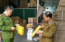 Quản lý thị trường Hà Nội thu hơn 3 tấn bánh quy hết hạn sử dụng