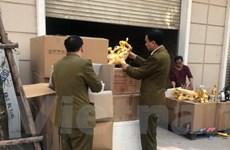 Liên ngành bắt giữ vụ sang chiết rượu lớn trên địa bàn Hà Nội