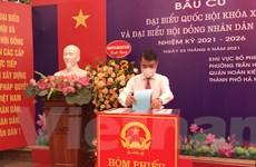 Rộn ràng không khí bầu cử tại các điểm bỏ phiếu trên địa bàn Hà Nội