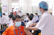 PetroVietnam: Tiêm vaccine là ưu tiên số 1 để thực hiện 'mục tiêu kép'