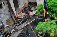 Hà Nội: Khu dân cư hơn một năm ngập chìm trong nước cống