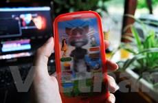 """[Video] """"Đập hộp"""" điện thoại đồ chơi kể chuyện muông thú xài ma túy"""