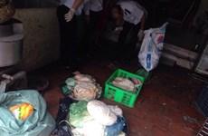 Hà Nội: Thu giữ 165kg thịt thối tại một cơ sở sản xuất nem chua