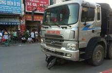 Hà Nội: Nam thanh niên tử vong sau khi bị xe tải cuốn vào gầm