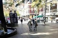 """Nhóm """"sư lạ"""" xuất hiện trên đường phố của Sydney"""