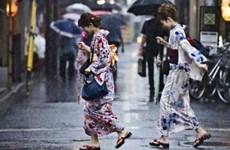Bão Nangka đổ bộ vào miền Tây Nhật Bản gây nhiều thương vong