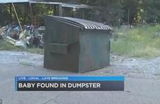 Vừa cất tiếng khóc chào đời, một bé gái bị vứt ngay vào thùng rác