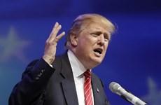 """Donald Trump gây sốc, các ứng viên tổng thống Mỹ """"đấu khẩu"""""""
