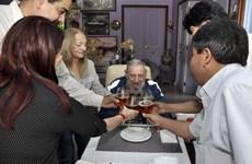Nhiều hoạt động mừng sinh nhật lần thứ 89 của lãnh tụ Fidel Castro