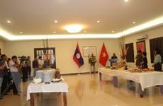 Giao lưu giữa hai Đại sứ quán Việt Nam và Lào tại Malaysia