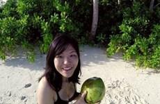 Kinh ngạc cô gái Nhật Bản mặc bikini sống một mình trên hoang đảo