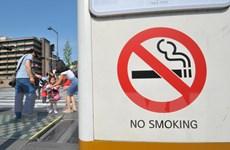 Anh áp dụng quy định vỏ bao thuốc lá phải trơn một màu