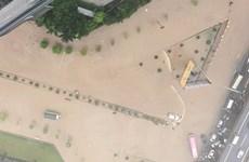 Hà Nội: Các tuyến phố ngập như sông cô lập nhiều khu vực thành ốc đảo