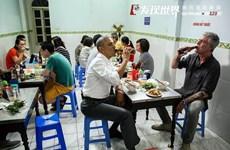 Cư dân mạng Trung Quốc tranh cãi về ảnh ông Obama ăn bún chả