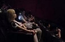 Tranh cãi việc đưa búp bê tình dục vào rạp xem phim
