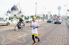 Cựu chiến binh chạy bộ 500km để chào mừng ngày quốc khánh