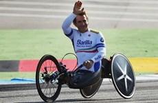 Cựu tay đua F1 cụt hai chân giành huy chương vàng Paralympic Rio