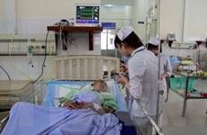 Cấp cứu, điều trị cho các nạn nhân vụ ngạt khí gây sốc ở Hà Nội