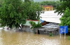 Nước lũ dâng cao, 2 người dân ở Phú Yên bị cuốn trôi